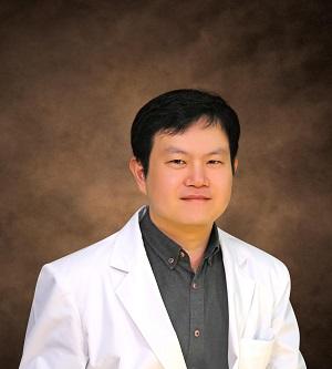 Dr. Euiseok Han