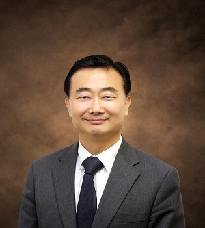 Dr.  Hwang, Il Ung